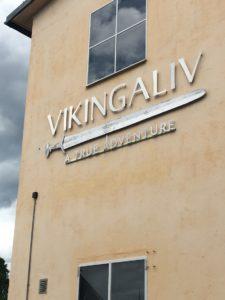 Vikingaliv on tehty vanhaan venehalliin.